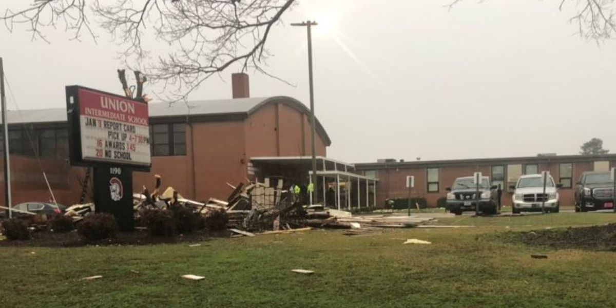 3 students taken to hospital after storm damages N.C. school