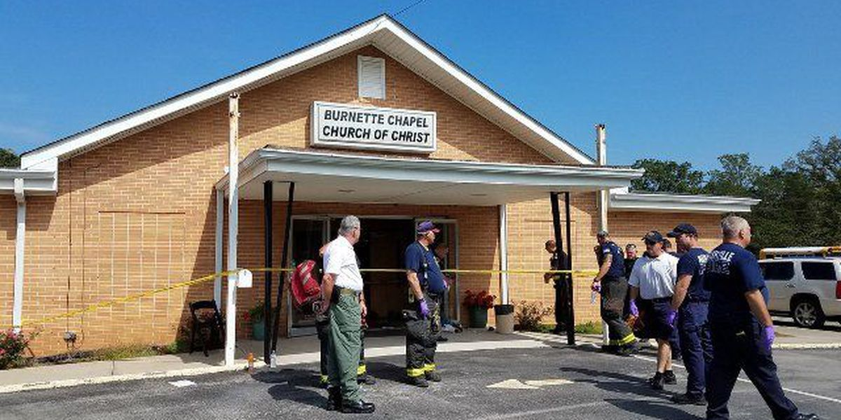 Man arrested in Tennessee church shooting had note referencing Roof case