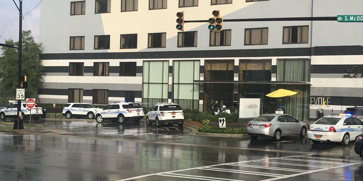 2 injured in Uptown hotel shooting