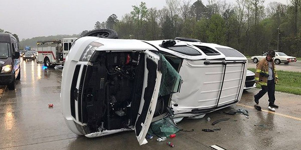 5 injured when SUV flips on I-485, several lanes closed
