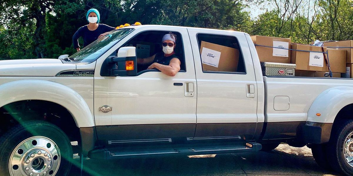 East Texas native Matthew McConaughey, wife deliver masks to rural hospitals in Texas