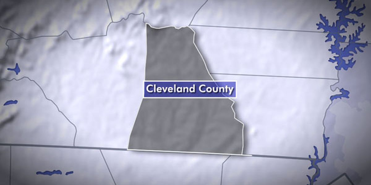 Deputies: Man shoots, kills man who attacked him with railing outside home in Cleveland Co.