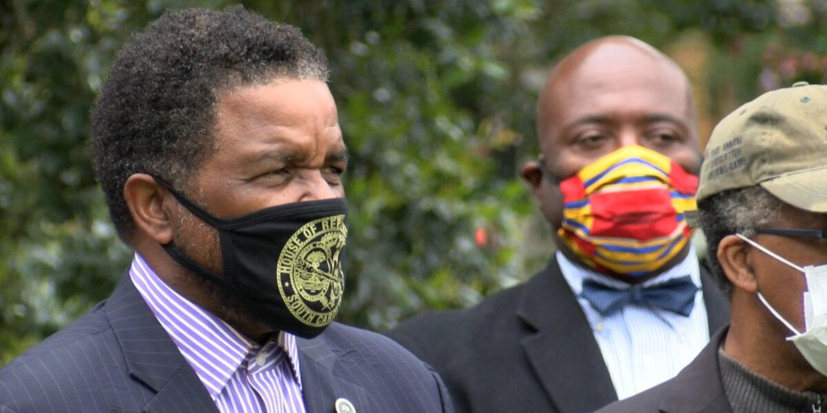 SC state lawmaker urges governor to require face masks in public