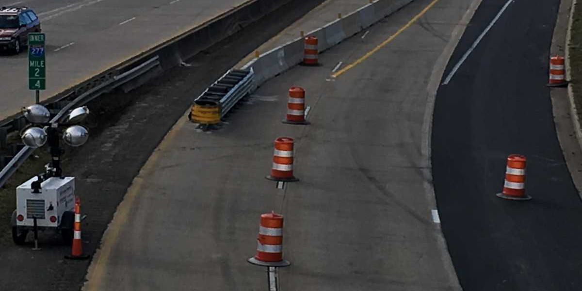 Lane closure on I-277 causes traffic woes for commuters