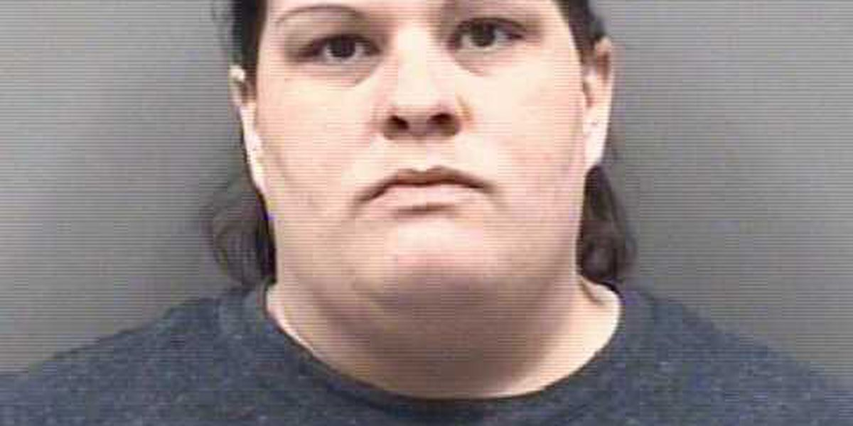 Vendor at flea market charged with stealing customer's wallet