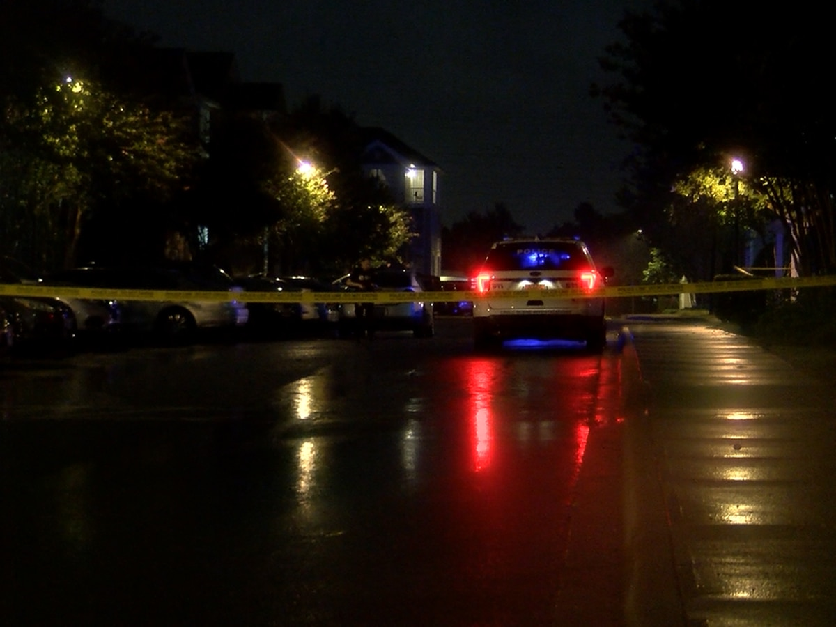 Person shot, seriously injured in north Charlotte