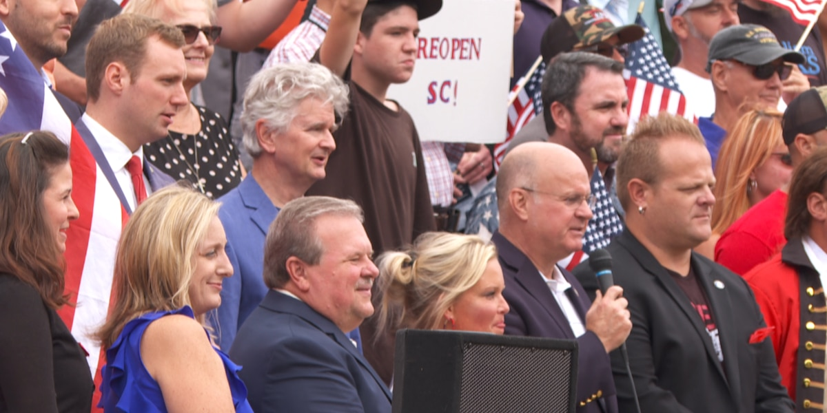 About 100 anti-mask protesters meet at SC State House for rally
