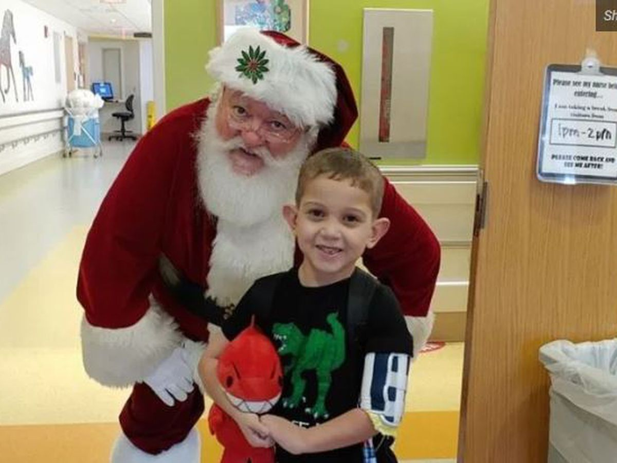 6-Year-old boy waiting for heart transplant asks for Christmas cards