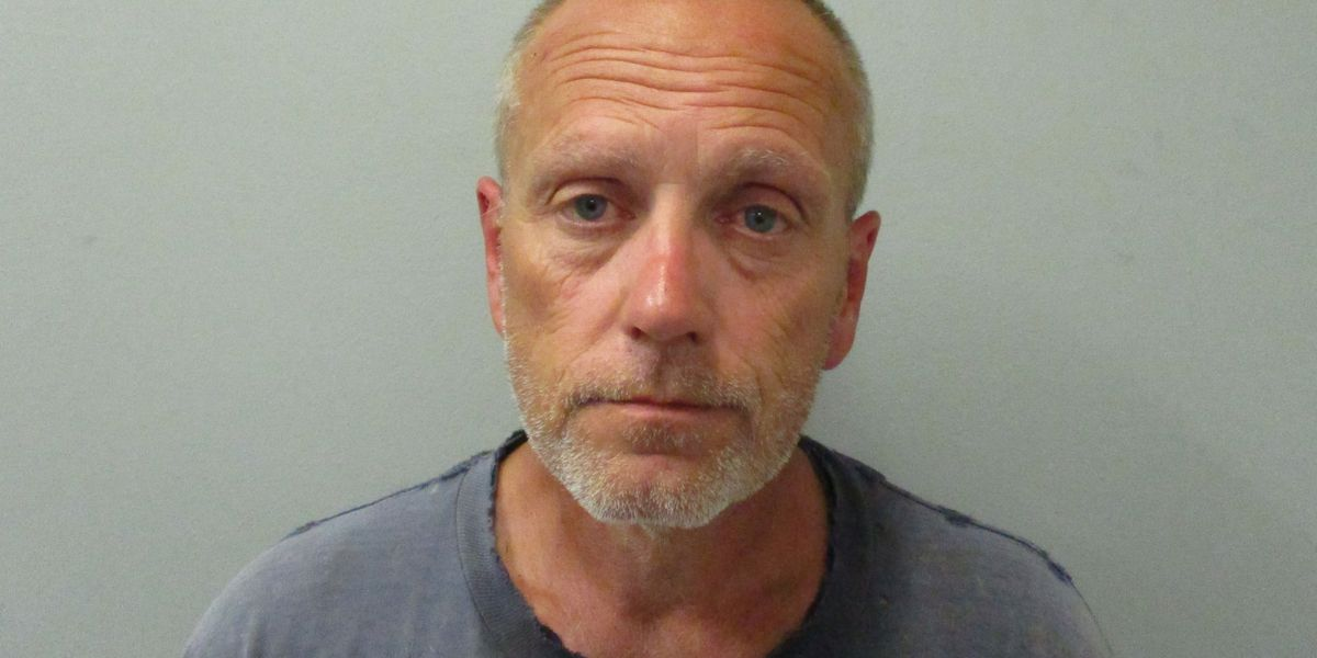 Madison County man accused of stealing bronze urns from Meridianville cemetery