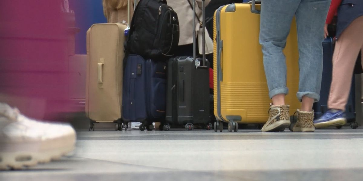 Health officials warn against spring break travel, TSA continues to screen millions of travelers
