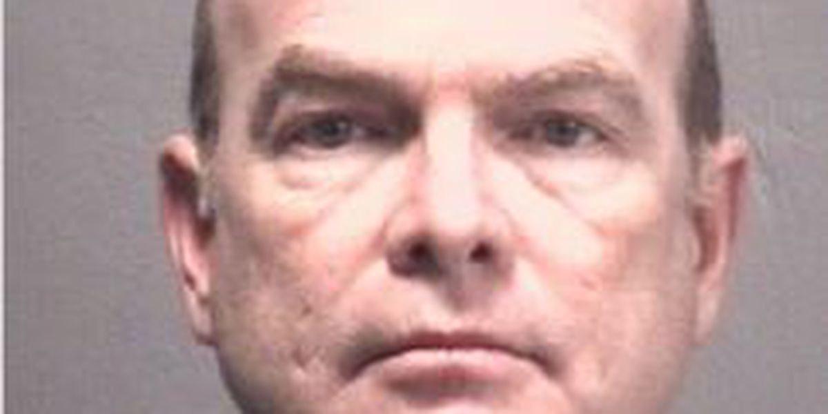 Oral surgeon accused of sexually abusing patients under anesthesia allowed to continue practicing surgical medicine