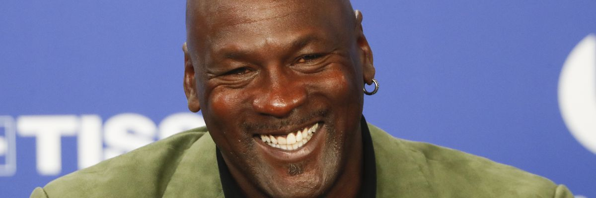 """Michael Jordan donates $2 million from """"The Last Dance"""" proceeds to help hungry ahead of Thanksgiving"""