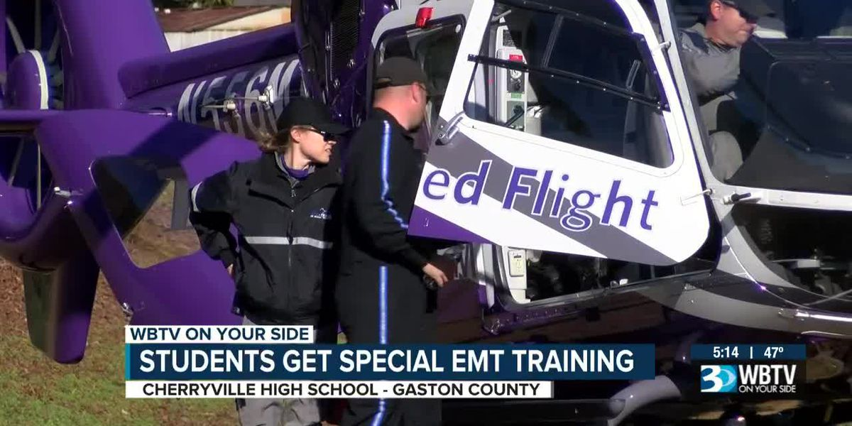 Students get special EMT training, taking medical helicopter tour in Gaston County