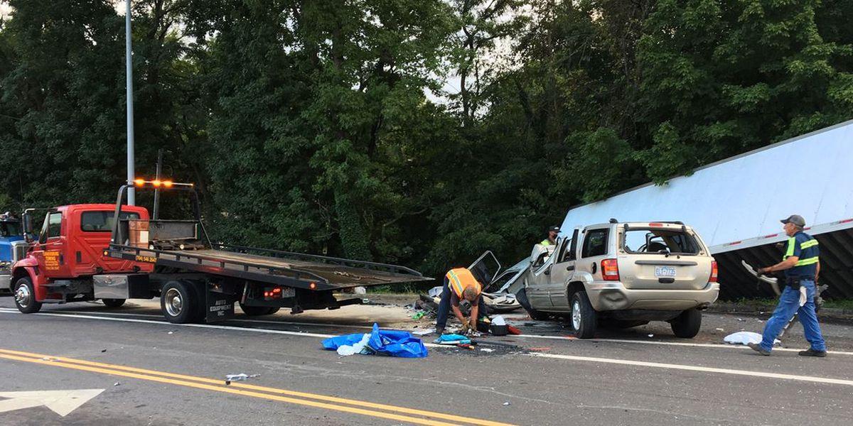 Two killed in crash involving tractor-trailer in Statesville