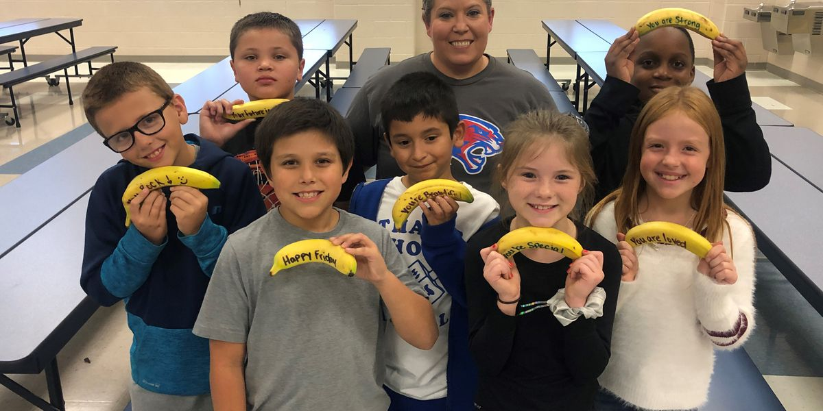 ETX cafeteria worker writes inspirational messages on bananas