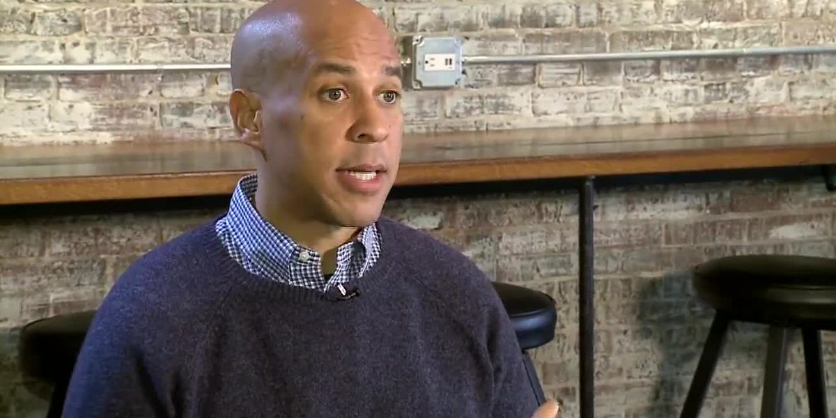 Pondering running for president, Booker visits NH