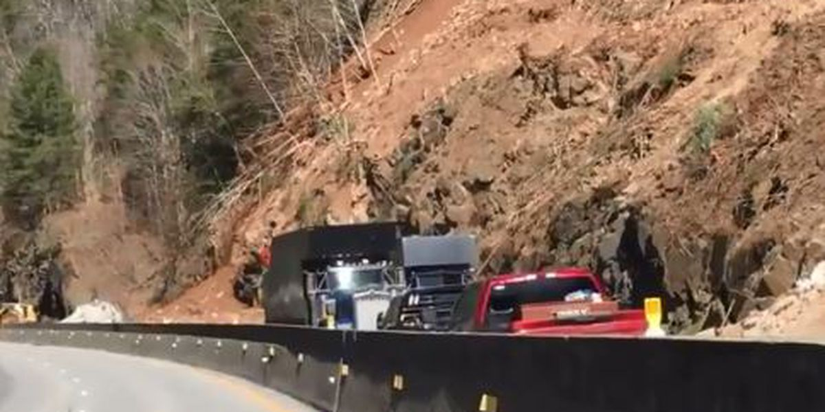 Interstate 40 closed at Tennessee line after rockslide