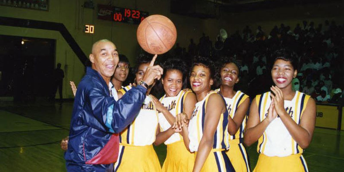 """Former Johnson C. Smith star and Harlem Globetrotter Fred """"Curly"""" Neal passes away"""