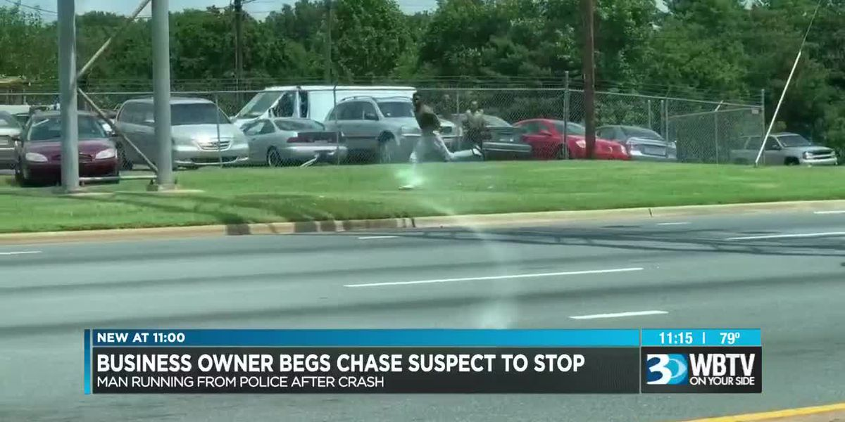 Charlotte man says he used words to help stop man from running from police