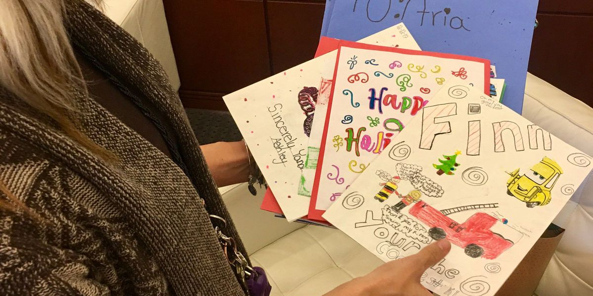 Gaston County 5th graders make Christmas cards for #MollysKids