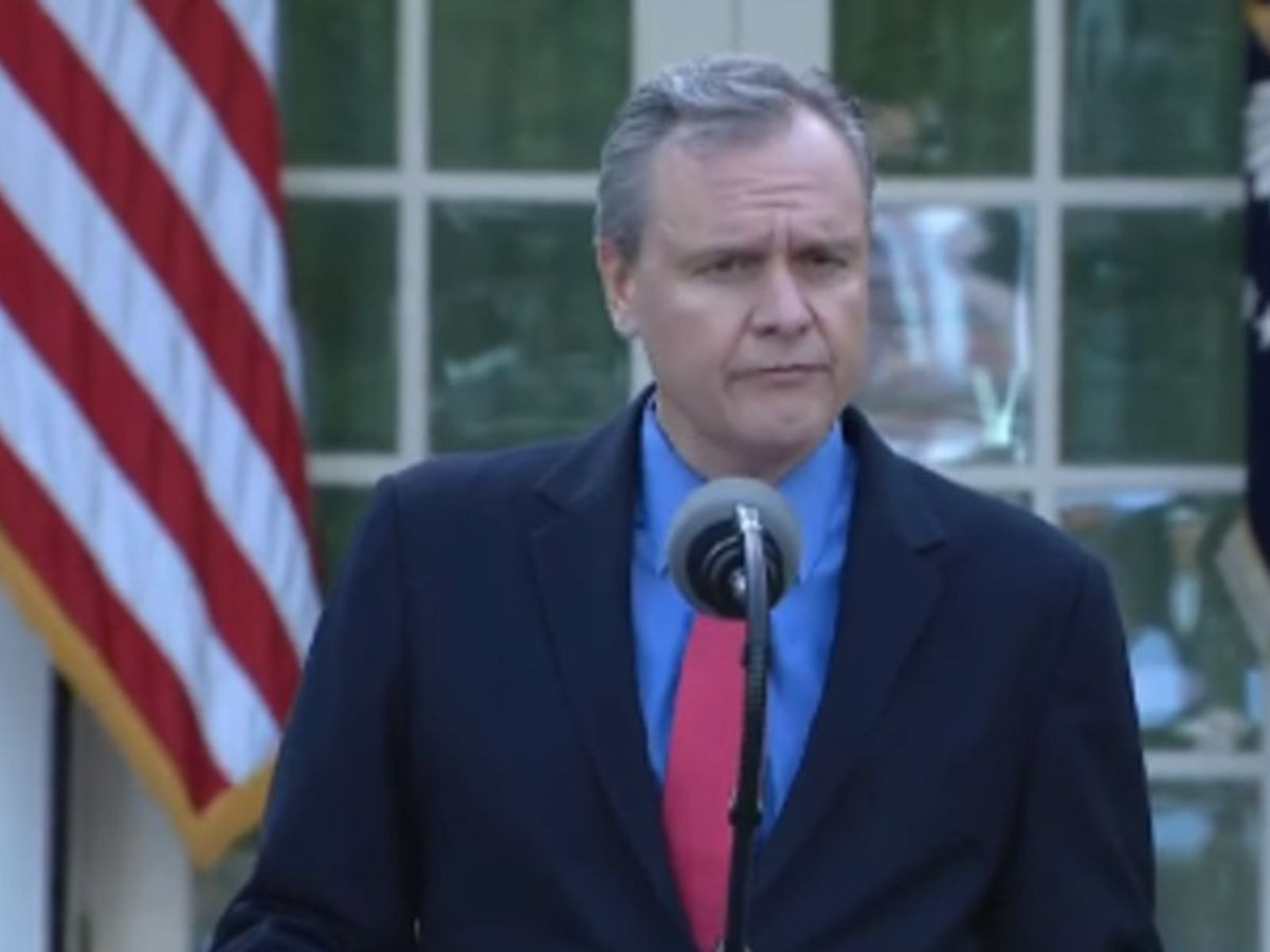 Charlotte-based Honeywell CEO speaks about masks during White House COVID-19 presser