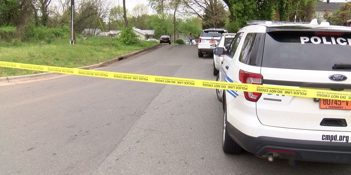 17-year-old shot in leg in west Charlotte