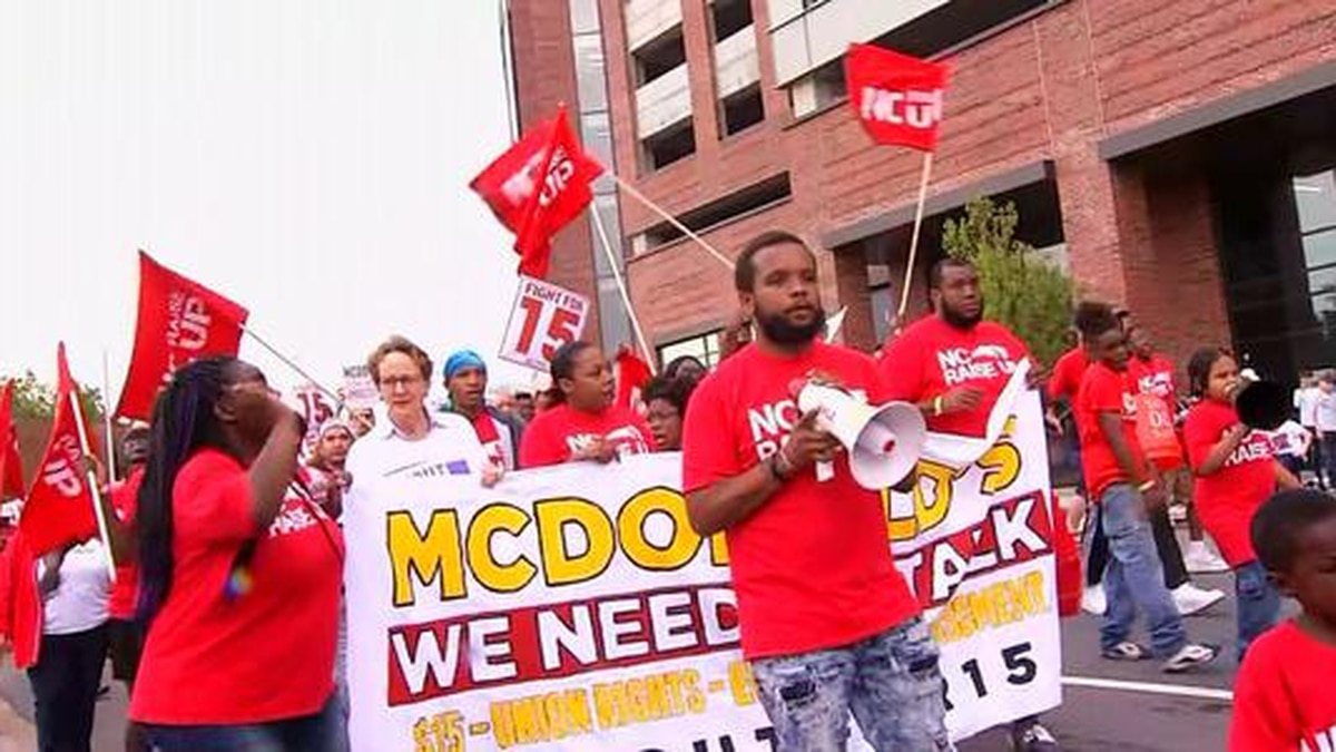 Presidential candidate Julian Castro says McDonald's should pay a wage workers can live on
