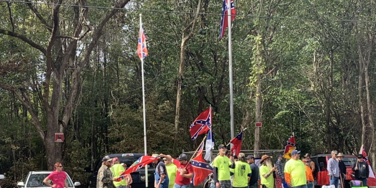 Hundreds of protesters face off in Pittsboro over pro-Confederate monument, heritage gathering