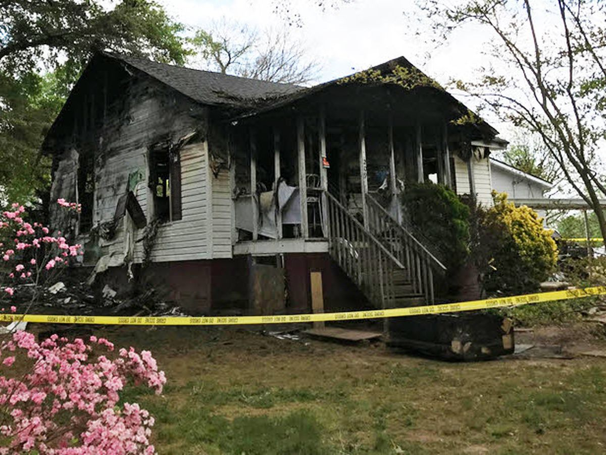 17-year-old dies in Mount Holly house fire