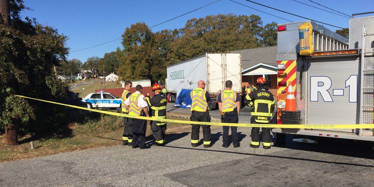 One dead in crash with tractor-trailer in Hickory