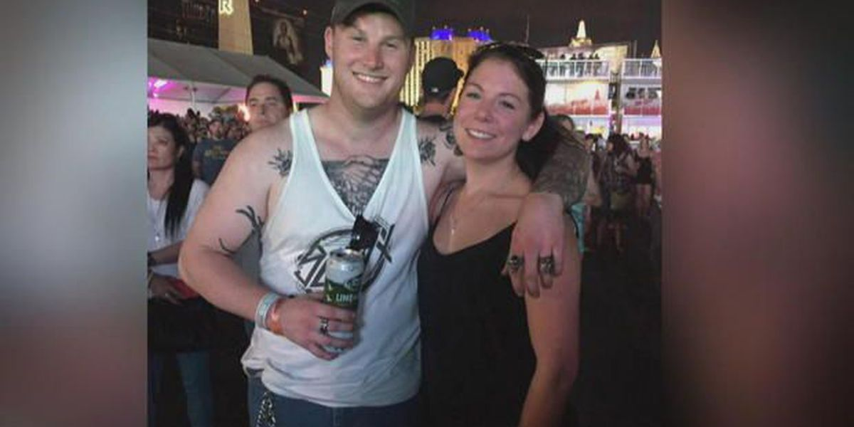 Woman stays with dying stranger for hours at Las Vegas massacre