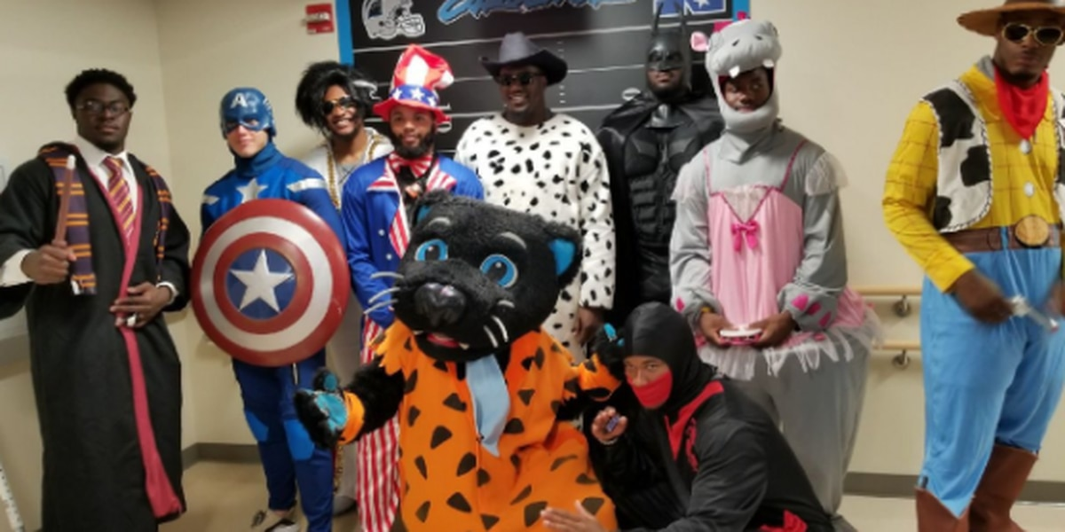 McCaffrey and Panthers rookies dress as superheroes for sick kids. Twitter loved it.
