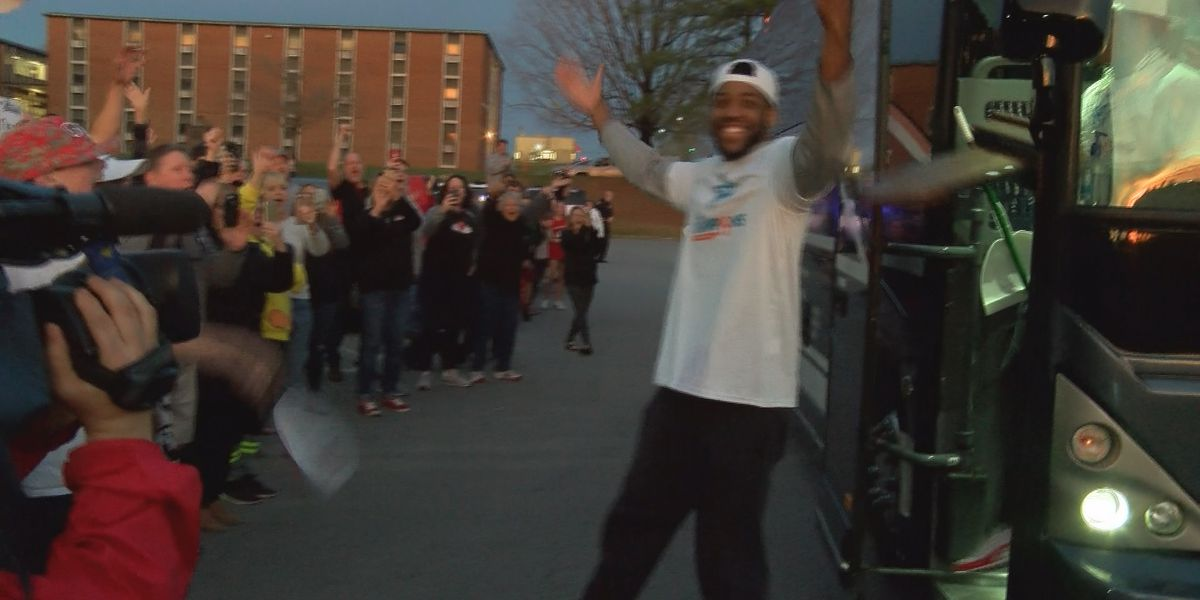 Fans welcome team home after Gardner-Webb clinches historic trip to NCAA tournament