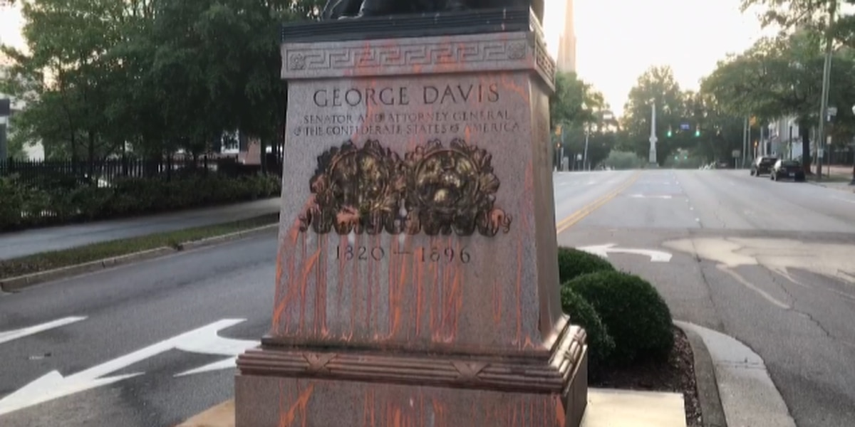 Police seek ID of woman accused of vandalizing two downtown Wilmington Confederate statues