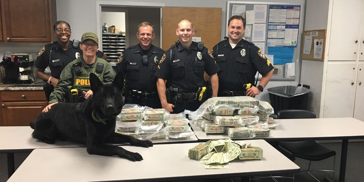 $900K seized during traffic stop in Monroe