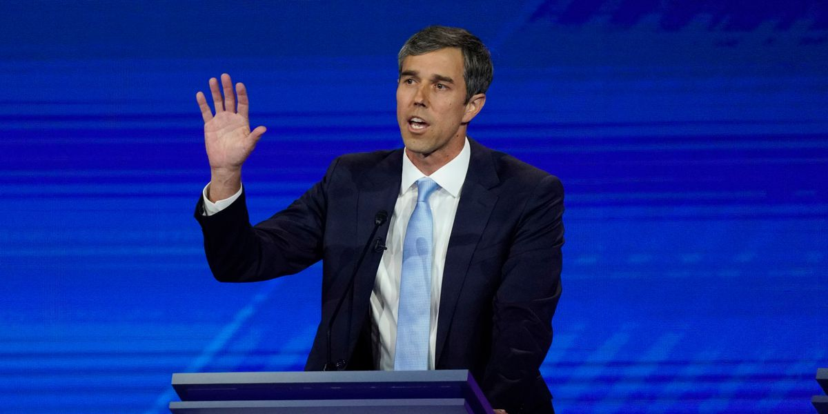 Vow to ban assault weapons gives O'Rourke debate breakout