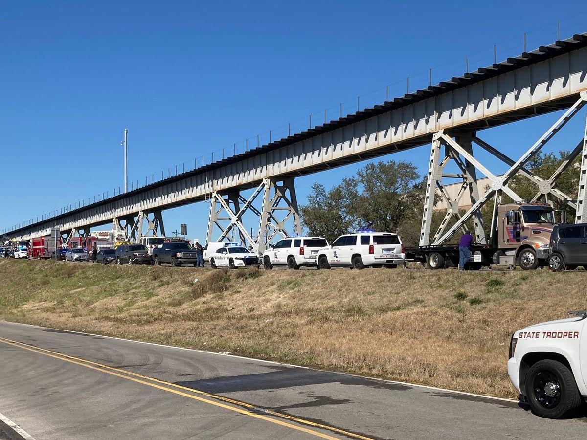 Teenage girl dies in 16-vehicle crash on old Miss. River Bridge, police say
