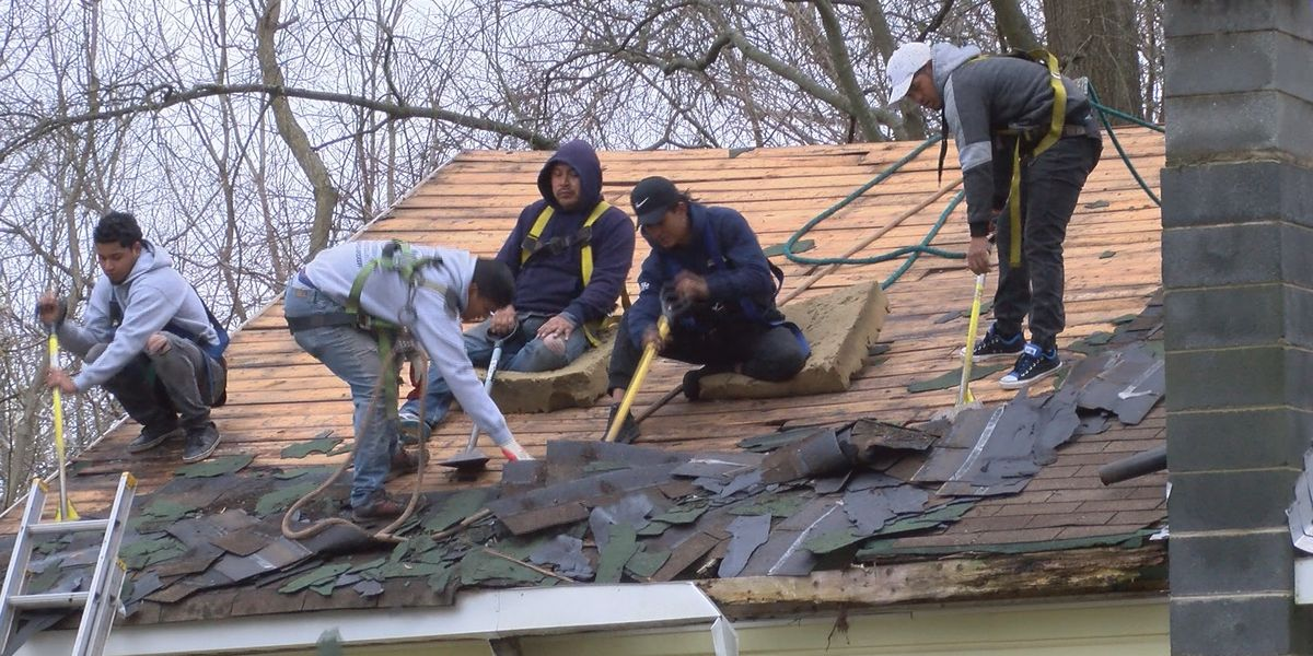 Gastonia couple gets roof repaired for free after WBTV story airs