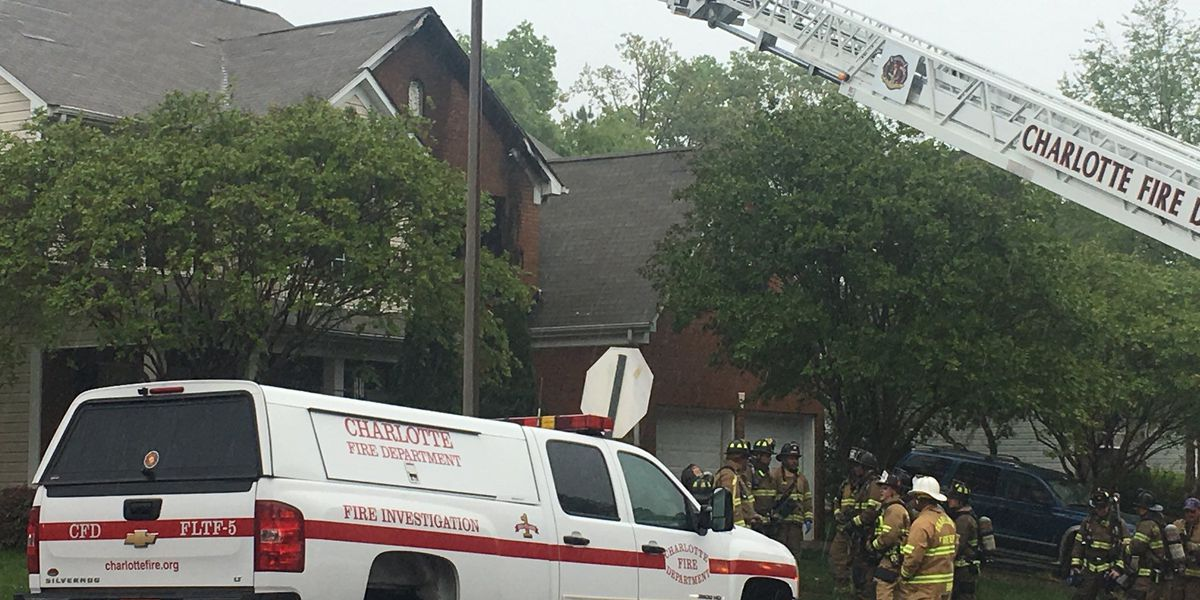Flames, smoke visible in north Charlotte house fire