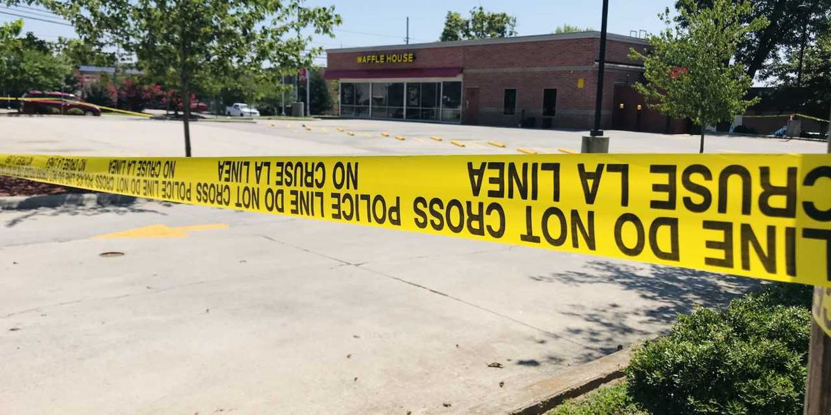 Man shot inside Waffle House restaurant in Salisbury