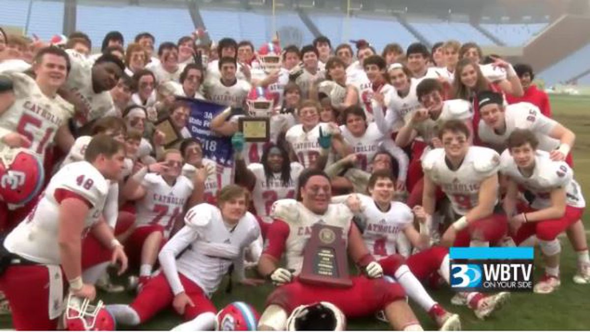 Charlotte Catholic goes back-to-back with a hard-fought 17-14 win over Jacksonville