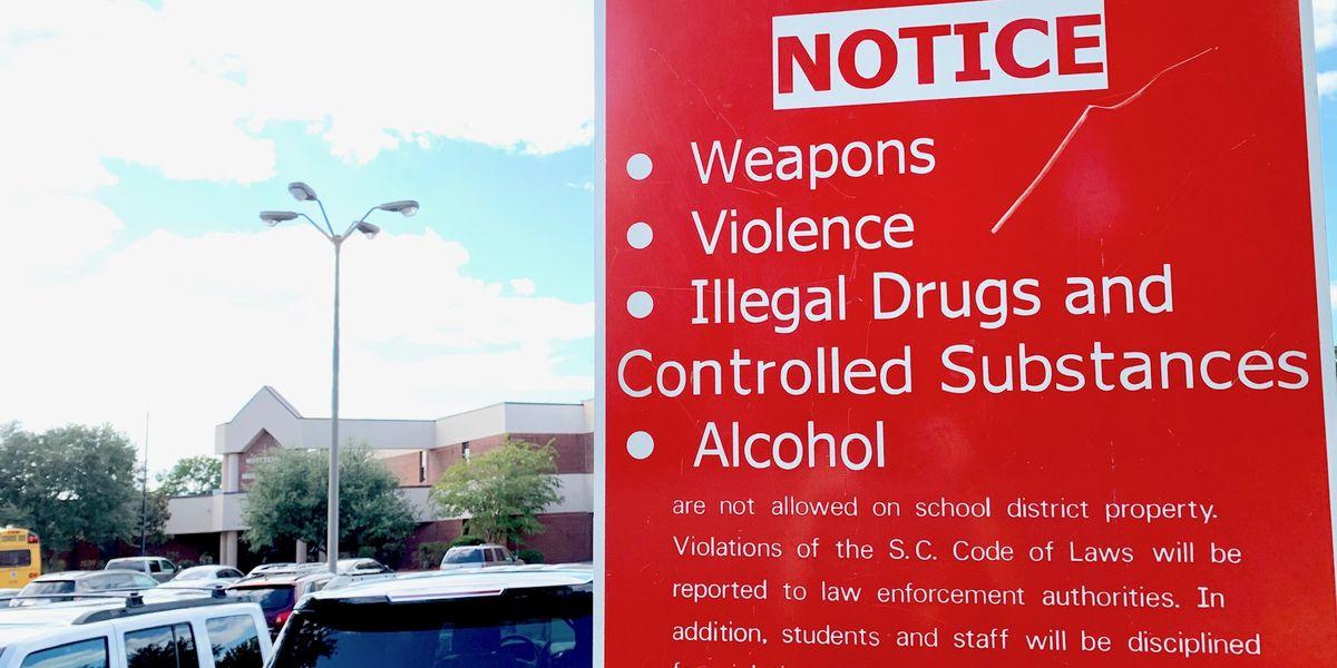 'Human error' led to gun making it through school security checkpoint