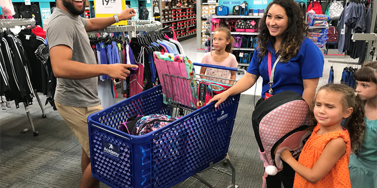 Bubba Wallace hosts annual back-to-school shopping spree