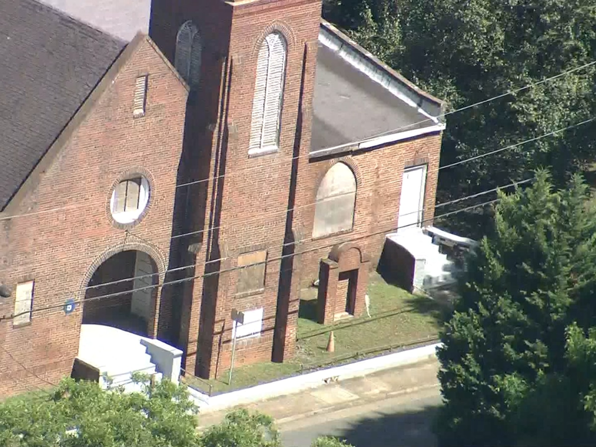 Neighbors hold on to the past to save an old Charlotte church