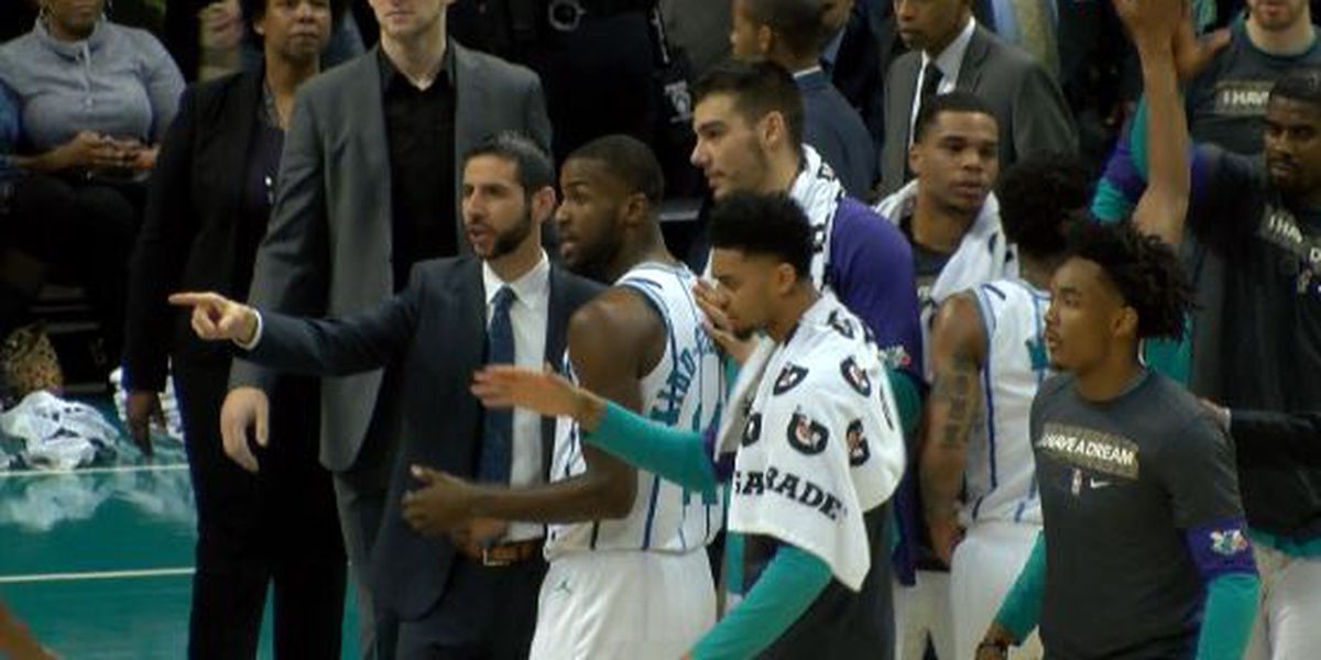 Walker scores 21 points to help Hornets rout Suns 135-115