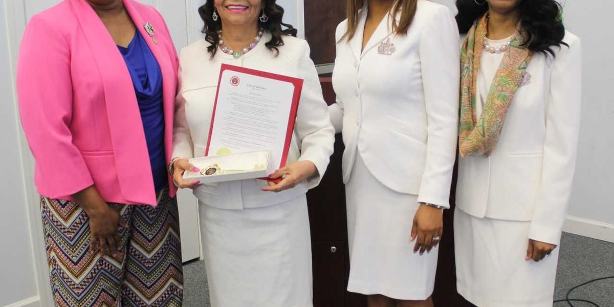 First Lady of Livingstone presented Key to the City