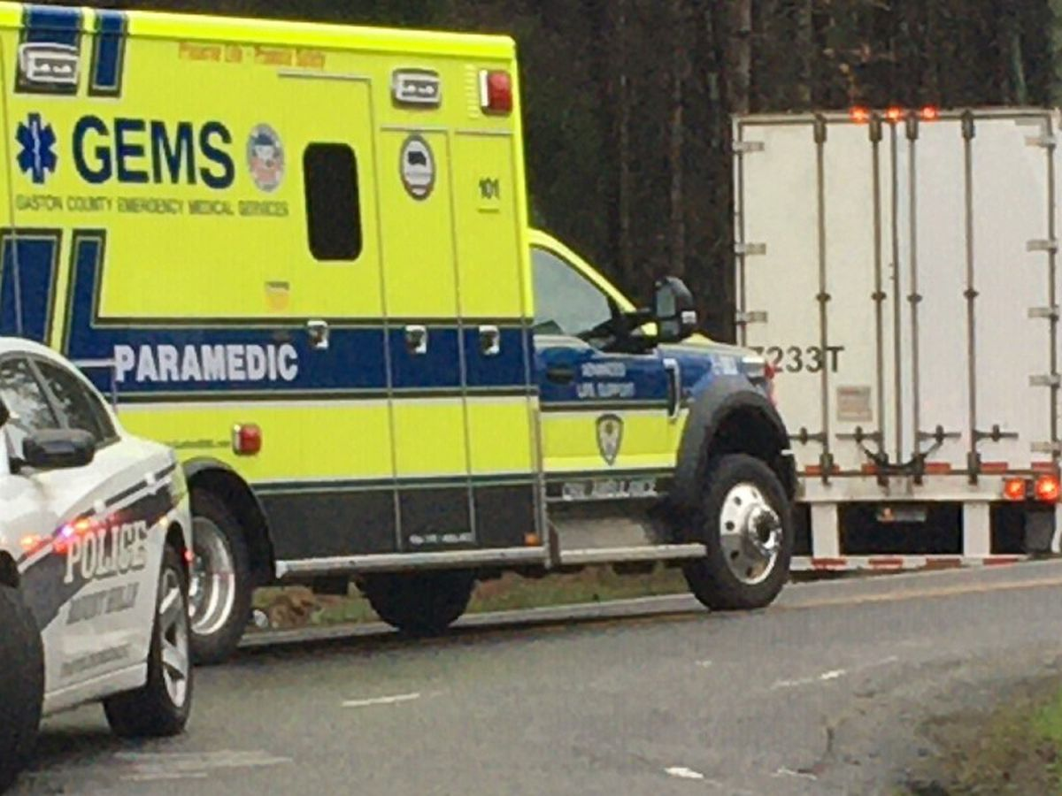 Driver killed in crash involving tractor trailer in Mount Holly