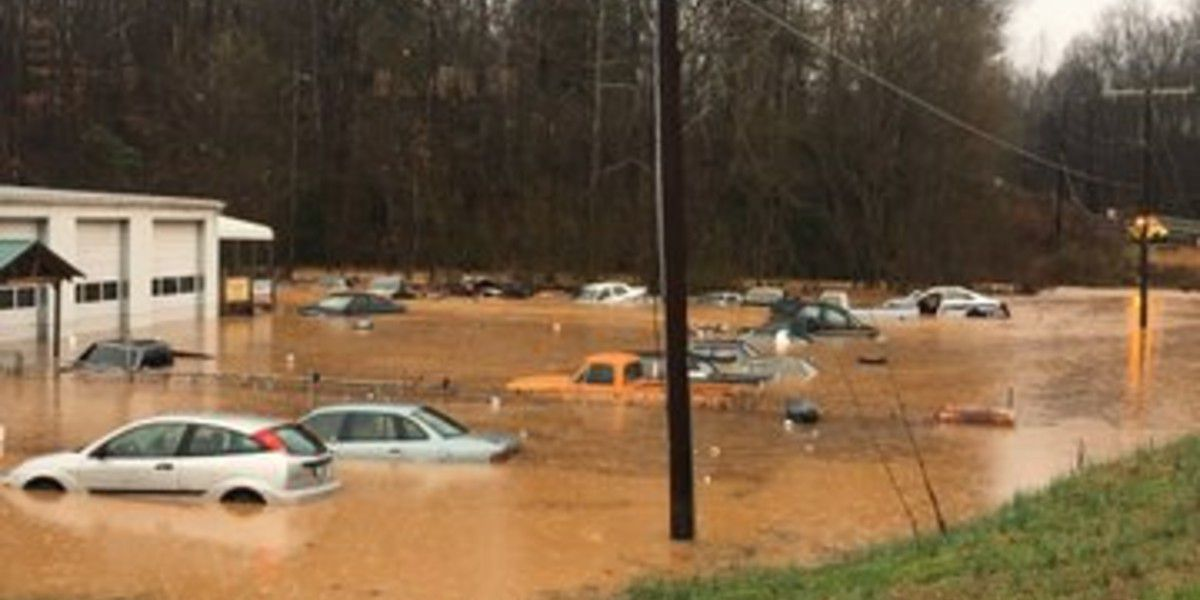 Lincoln County business floods, cars submerged in several feet of water