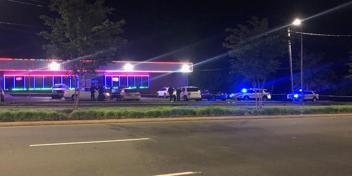 Man killed in shooting outside west Charlotte computer gaming business