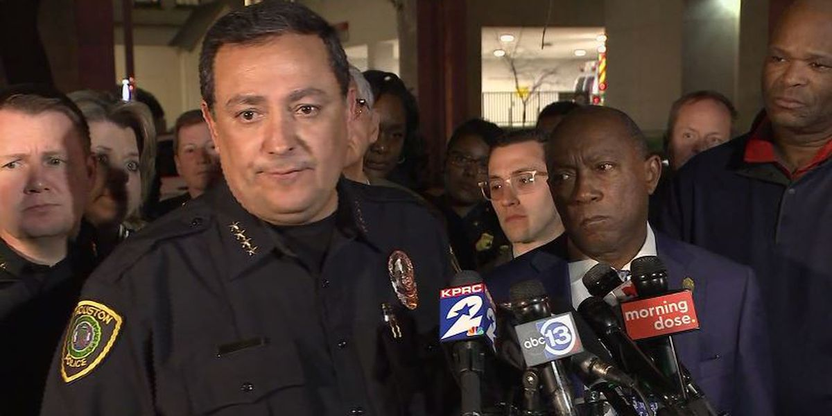 Shooting that hurt 5 undercover officers in Houston occurred during drug raid